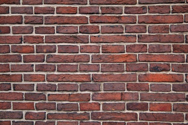 Mit Volldampf voraus – die Wand wartet schon